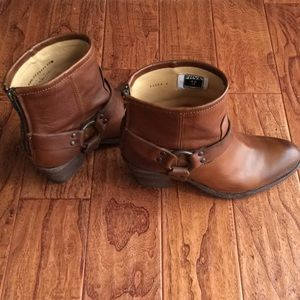 Frye 'Tabitha Harness Short' boots size 8.5